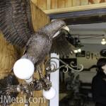 Кованый орел встречает гостей кузни Артини