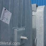 Цинковый узор на стальном баке для мусора